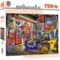Master Pieces 750 - Garage Treasure, Linda Berman